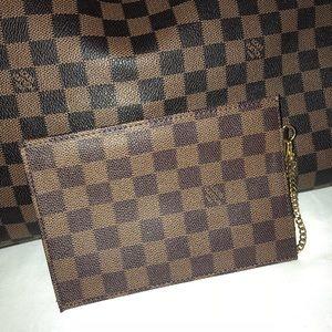 Vintage Authentic Louis Vuitton Pouch/Wallet🌺